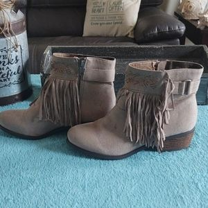 Not Rated Captain country Suede Fringe Ankle Boots